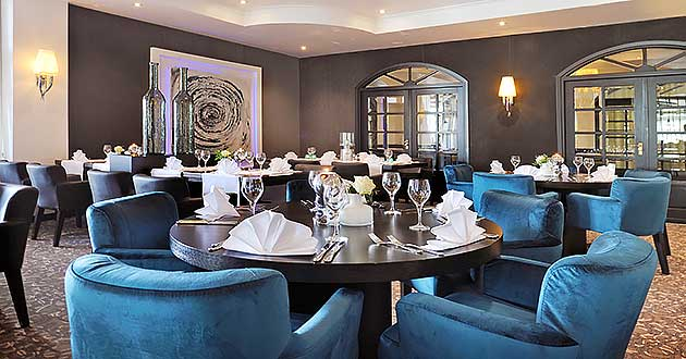 weihnachtsarrangement hotel krefeld niederrhein 2018 2019 angebot nordrhein westfalen. Black Bedroom Furniture Sets. Home Design Ideas